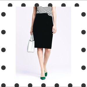 BANANA REPUBLIC sleek black pencil skirt